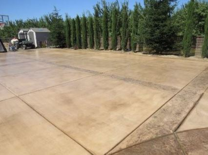 this is a picture of a concrete driveway in manteca, california.