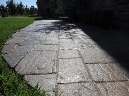 an image of a concrete driveway job in manteca, ca